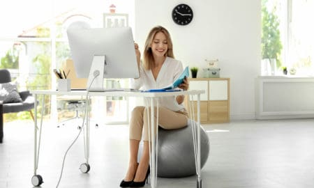 6-reasons-to-use-an-exercise-ball-at-work