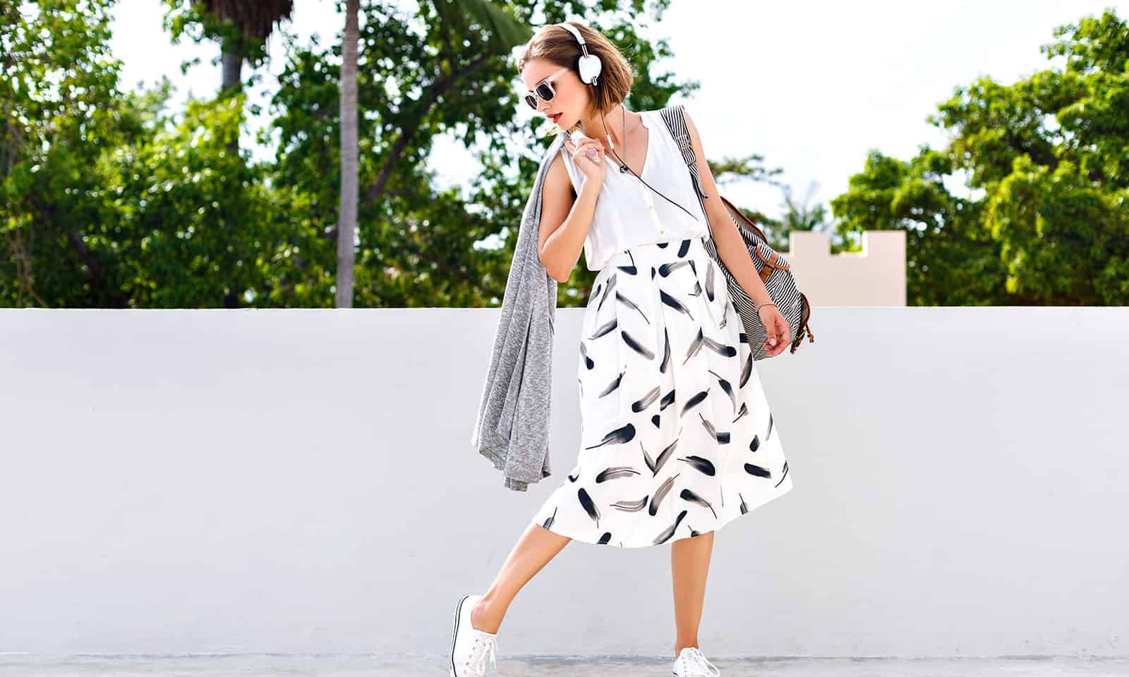 Lovely-Midi-Skirt-Outfits-to-Try-This-Fall-main-image