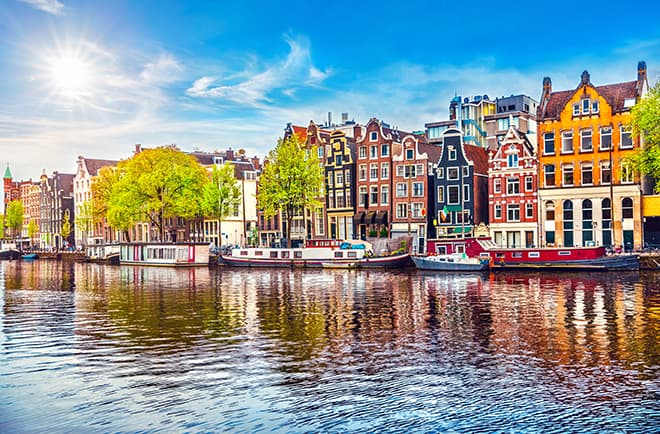 top-romantic-proposal-spots-in-europe-amsterdam