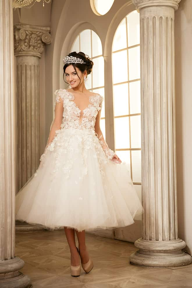 How-to-Pick-Your-Bridal-Gown-for-a-Summer-Wedding-short-wedding-dress