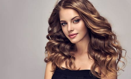 3-Causes-of-Dull-and-Lifeless-Hair-That-Might-Surprise-You-Girl-with-gorgeous-healthy-hair