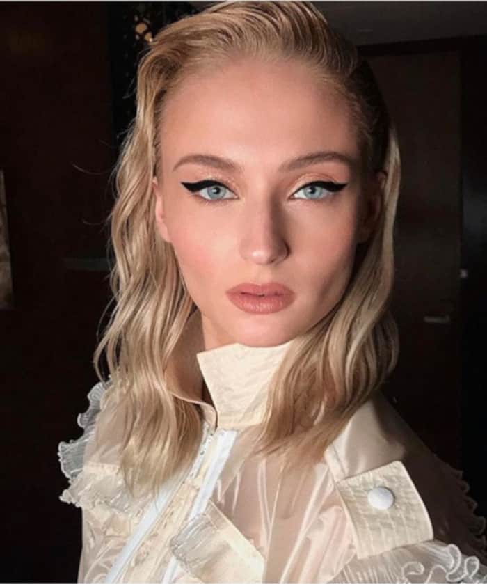 9 Summery Glittery Looks You Can Wear In Your Everyday Life Sophie Turner