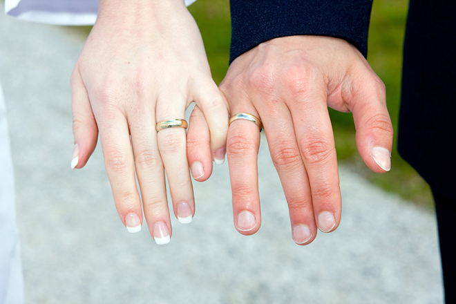 Advantages-of-Getting-The-Wedding-Rings-Experience-by-Larsen-couple-showing-off-wedding-rings