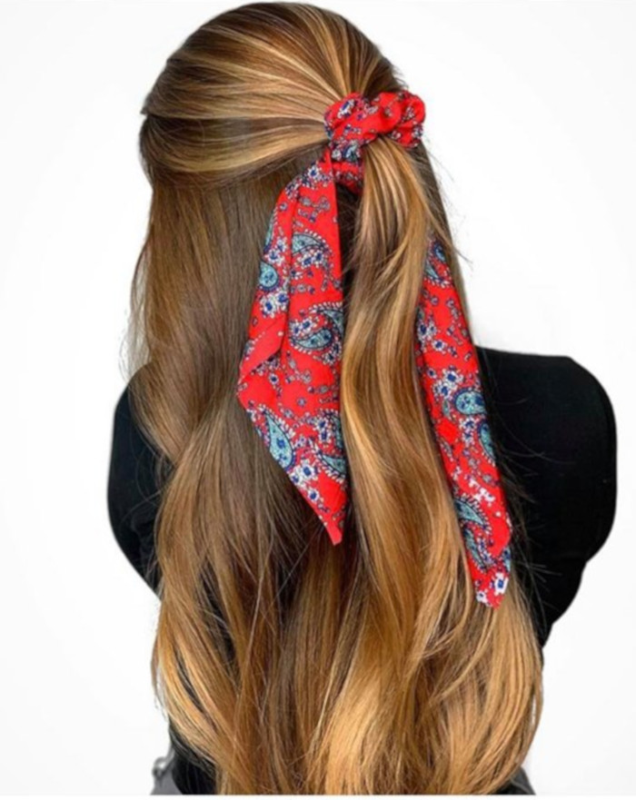 Chic Ways to Style a Head Scarf This Summer 11