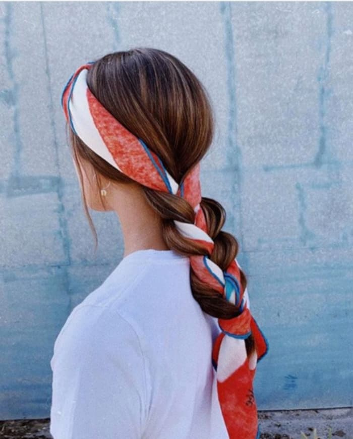 Chic Ways to Style a Head Scarf This Summer 4