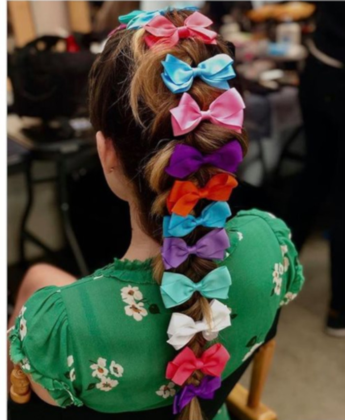 Hair Bows Are The Cutest Retro Trend of This Summer 3