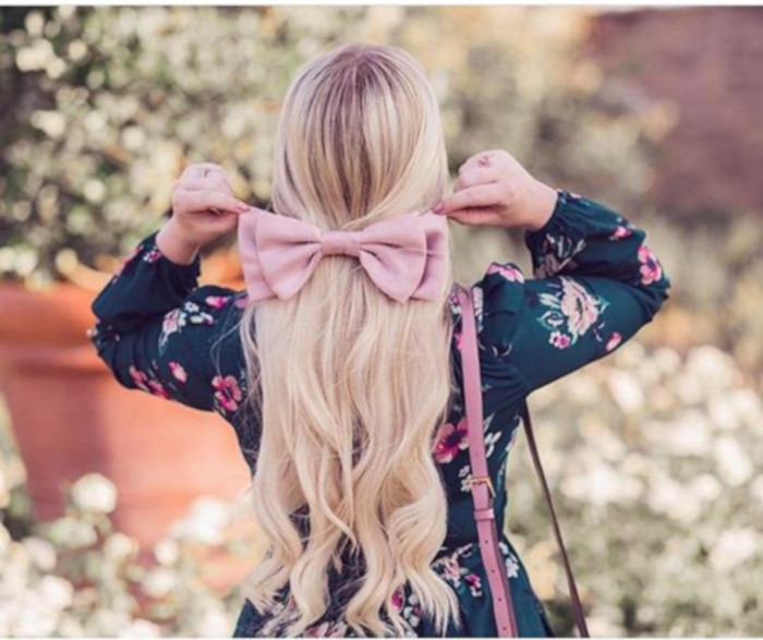 Hair Bows Are The Cutest Retro Trend of This Summer 4