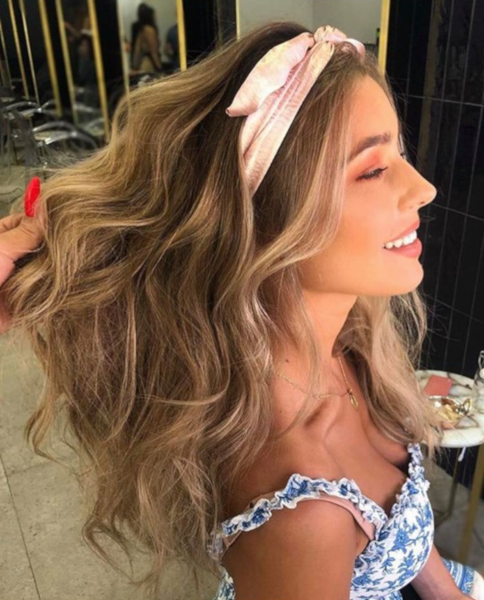 Hair Bows Are The Cutest Retro Trend of This Summer 7