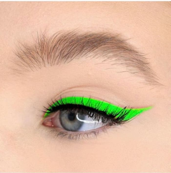 How to Wear Neon Makeup The Sexy Way acid green eyeliner