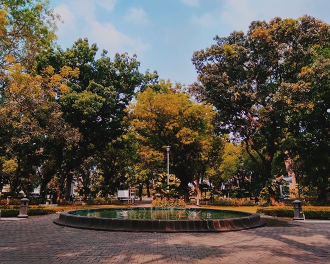 Top-Things-to-do-in-Jakarta-to-Get-the-Real-Essence-of-the-City-streets-of-Taman-Suropati