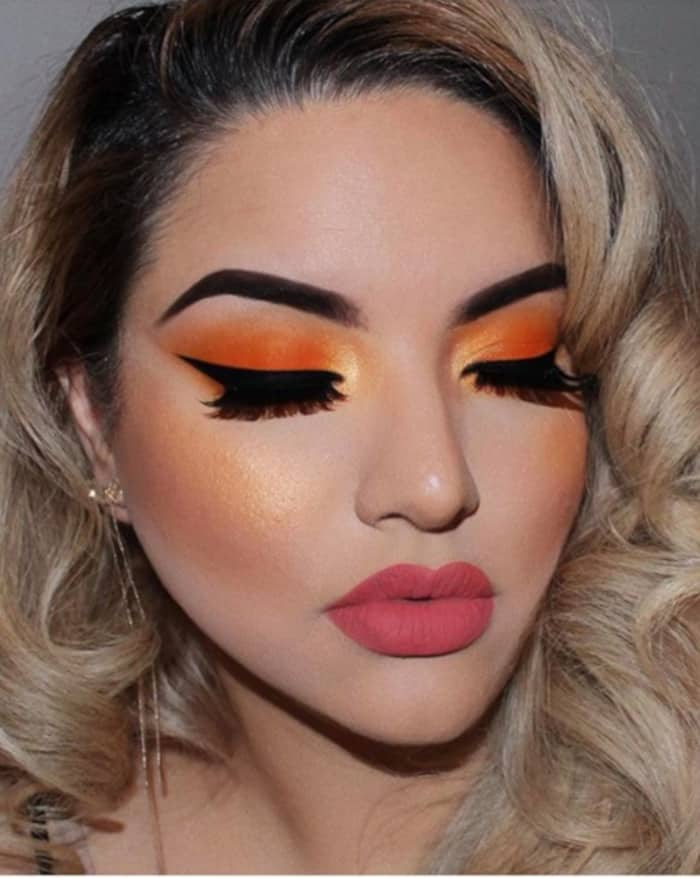 Turn Up The Heat This Summer With These Makeup Looks 2