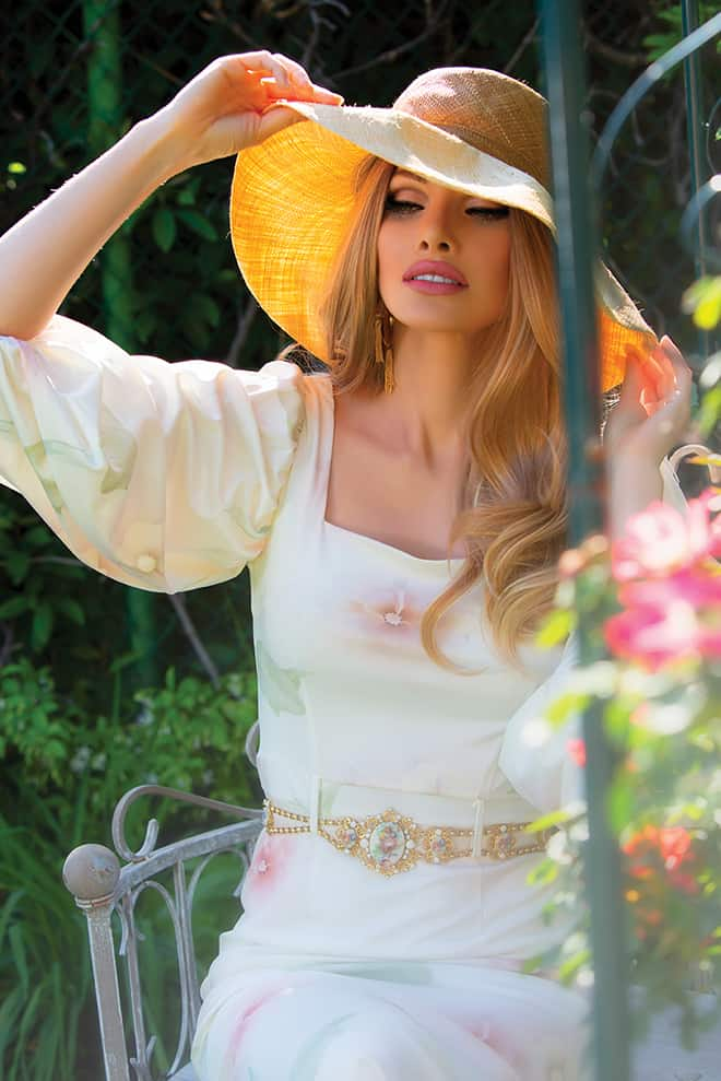 america-saved-me-the-story-of-alena-simonova-model-fashion-garden-1