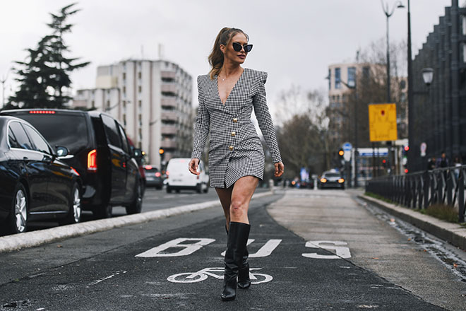 4-Tips-For-Planning-a-Luxurious-European-Vacation-viva-glam-woman-crossing-street-in-europ-fashion
