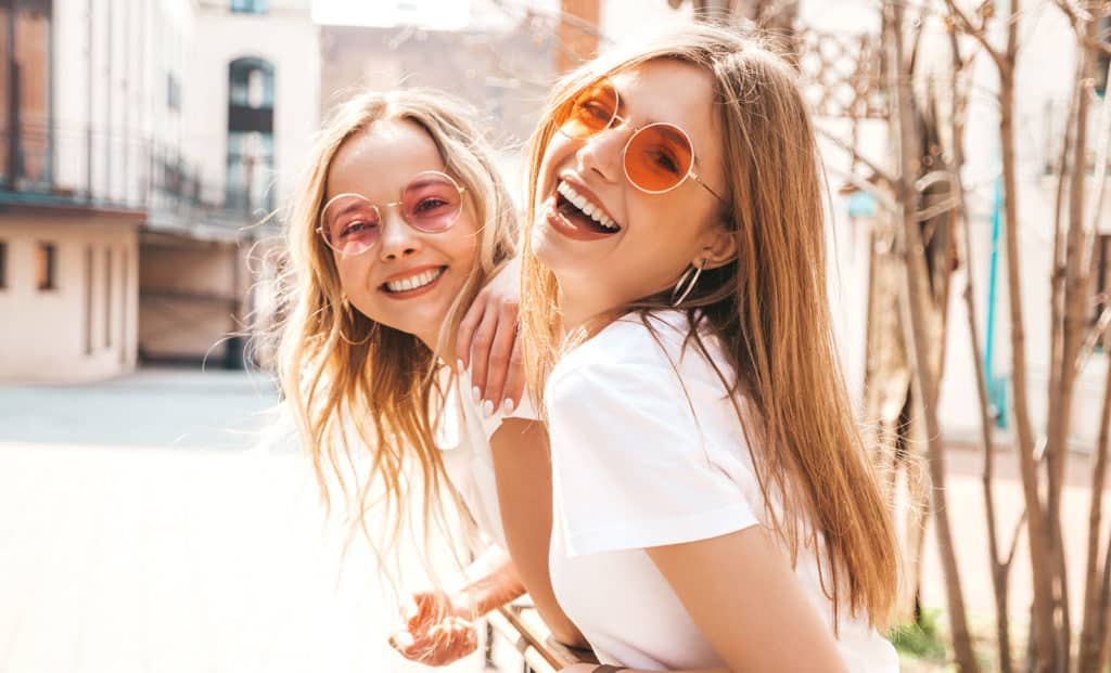 4-Ways-to-Get-a-Glamorous-Smile-main-image