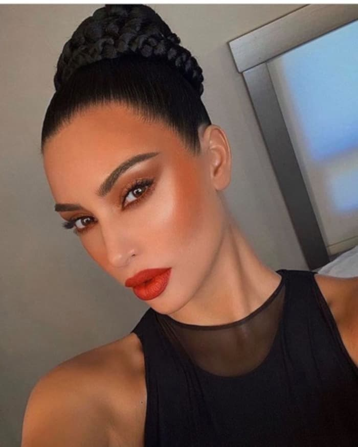 Celebrity Fall Makeup Looks Kim Kardashian