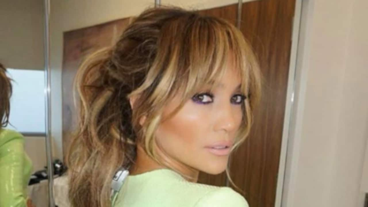 Chic Celebrity Haircuts to Refresh Your Hair Game 7