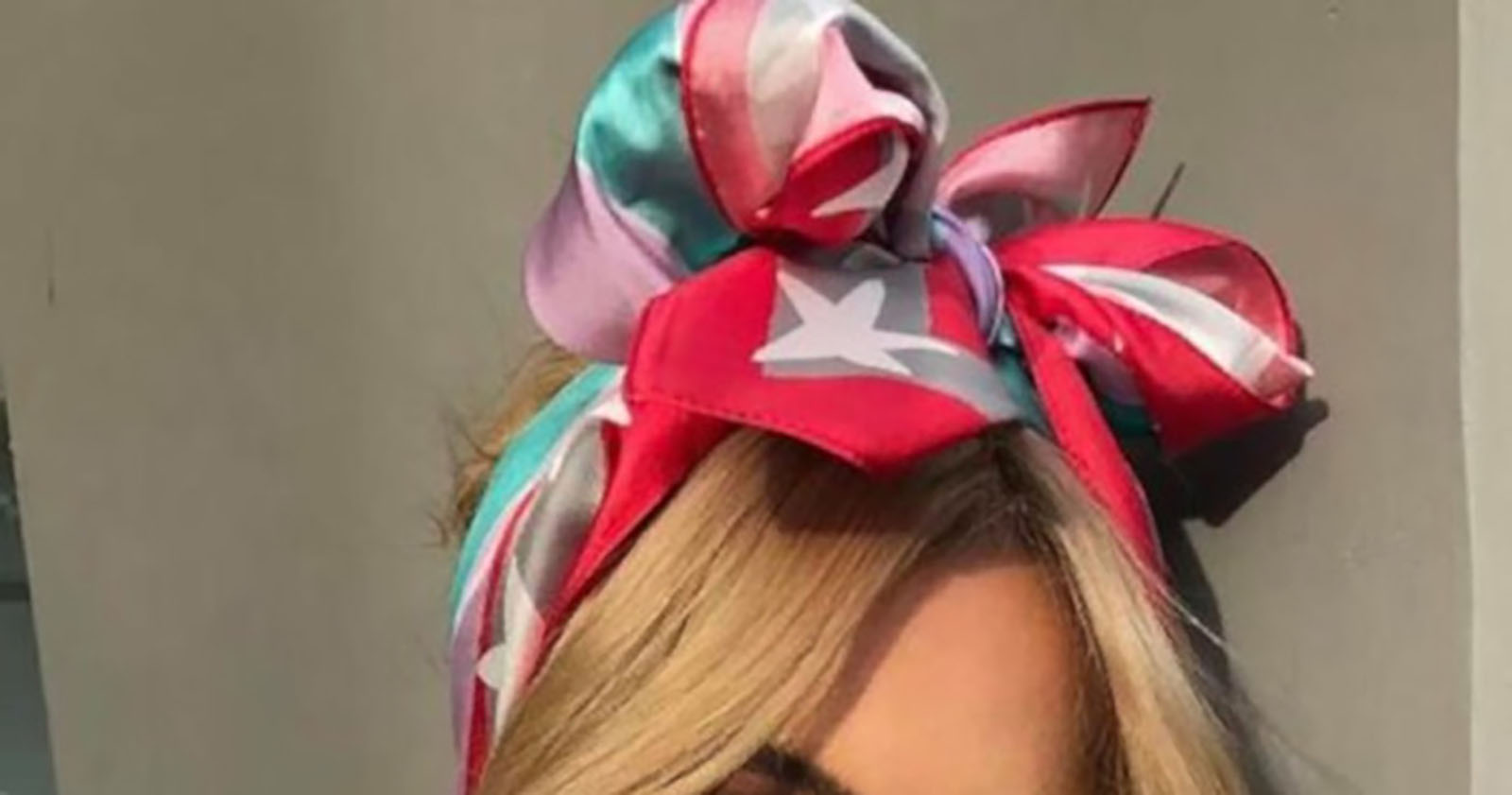 Chic-Ways-to-Style-a-Head-Scarf-This-Summer-8