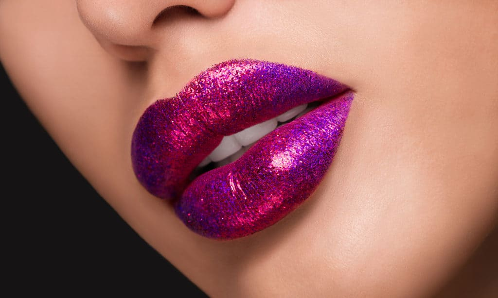 How-to-Wear-Iridescent-Makeup-the-Right-Way-main-image