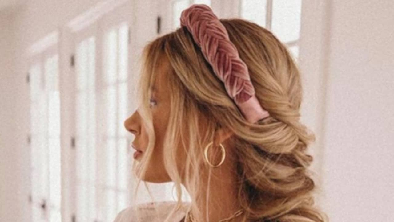 How to Wear The Headband Trend 2