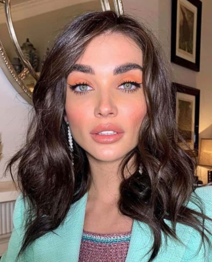 Living Coral Summer Makeup Looks 11