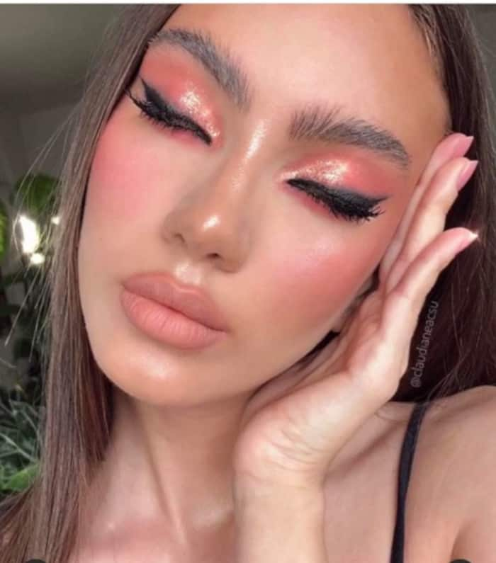 Living Coral Summer Makeup Looks 4