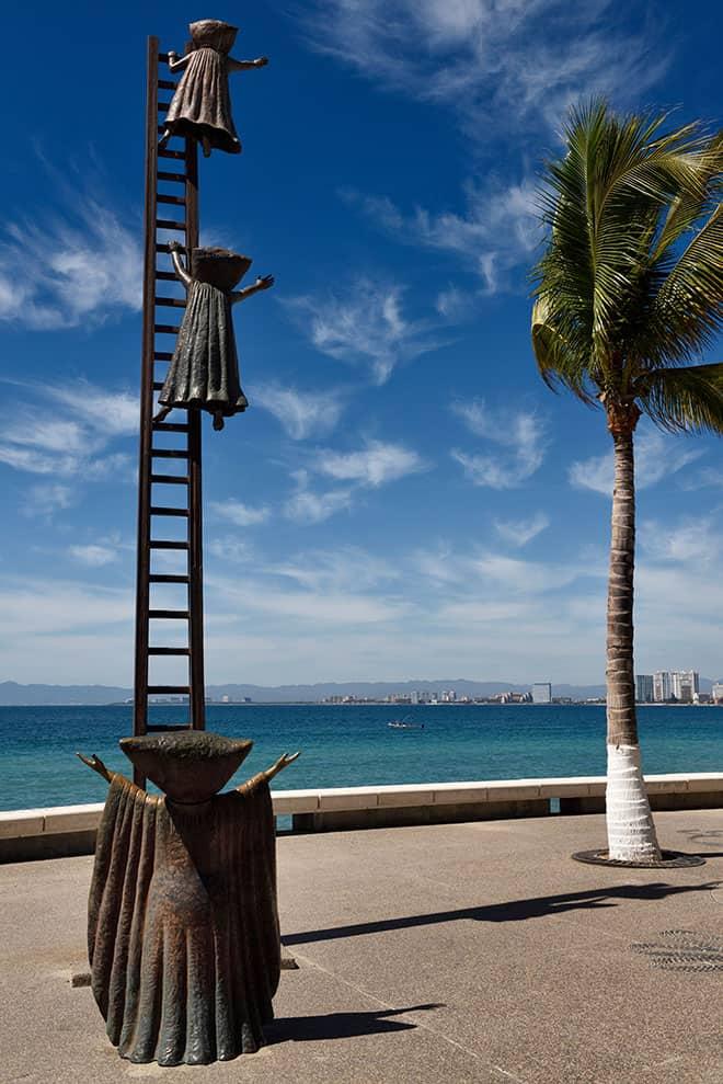 Puerto-vallarta-outdoor-art-gallery-malecon-searching-for-reason