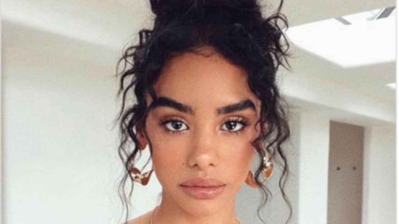 Stunning Hairstyles for Curly Hair 11