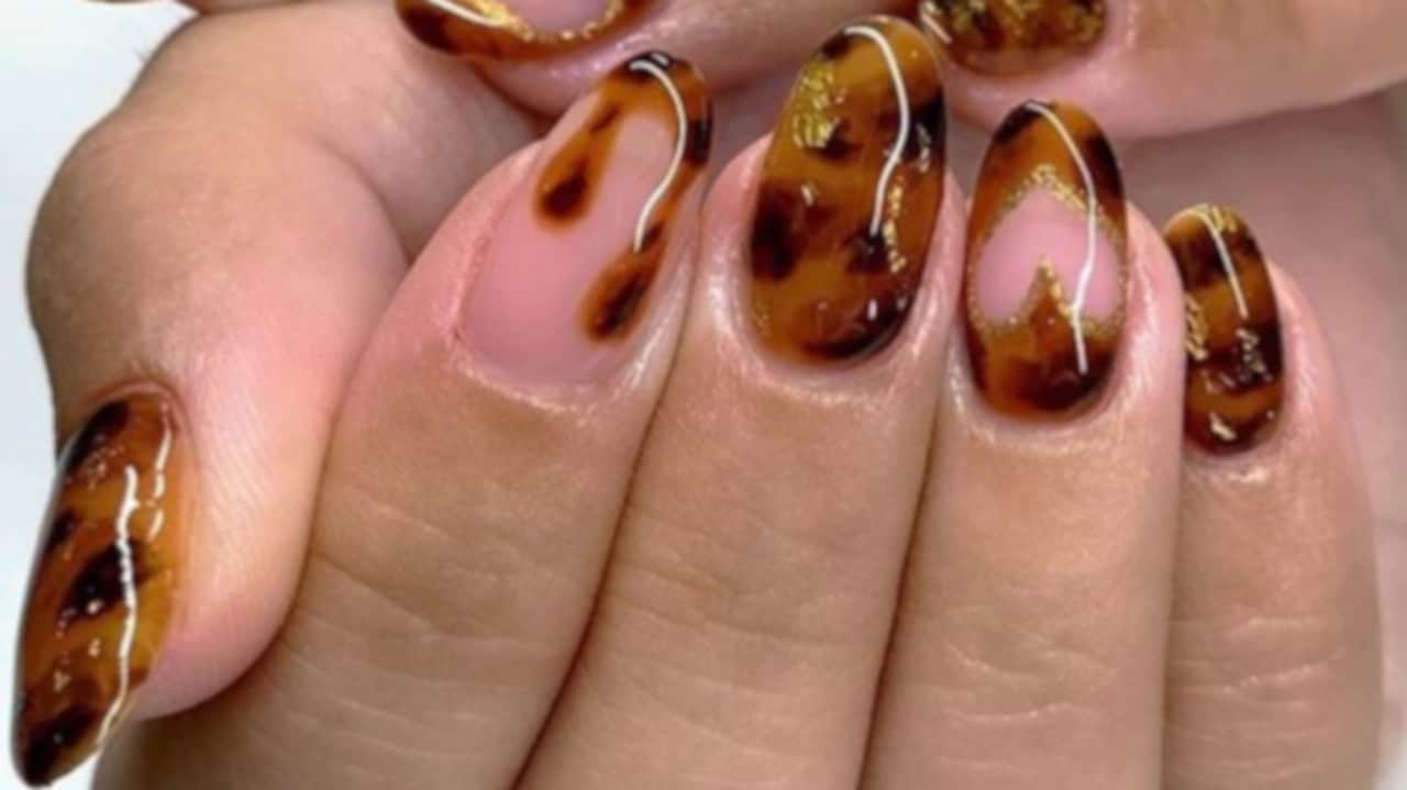 Tortoise Nails Are Trending 4