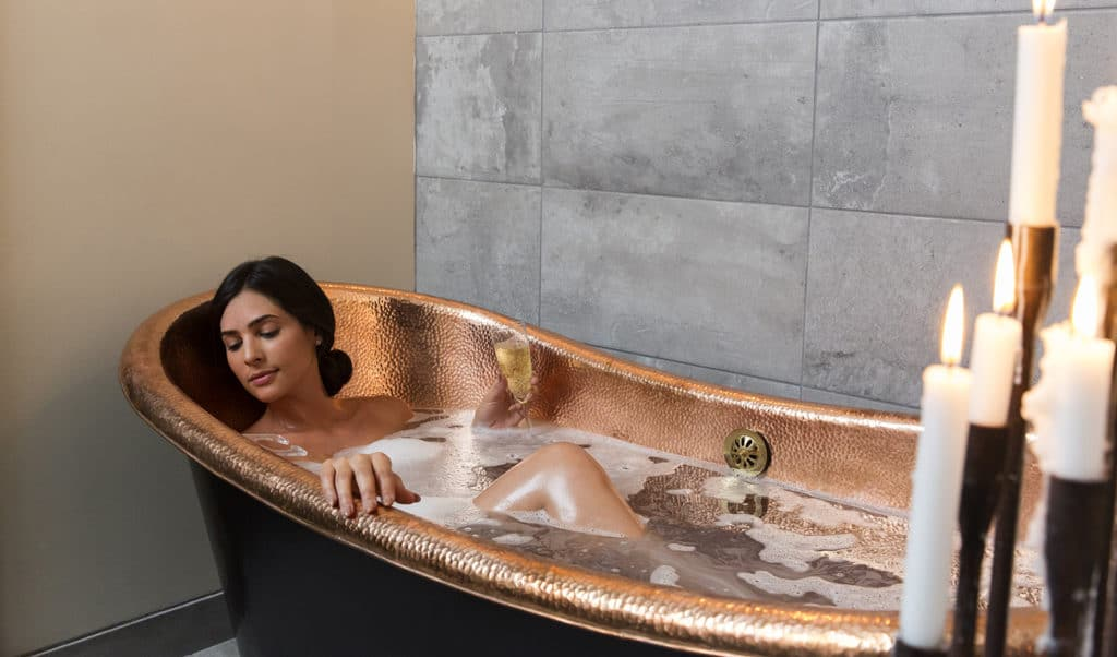 desuar-luxury-spa-soa-bath-main-image
