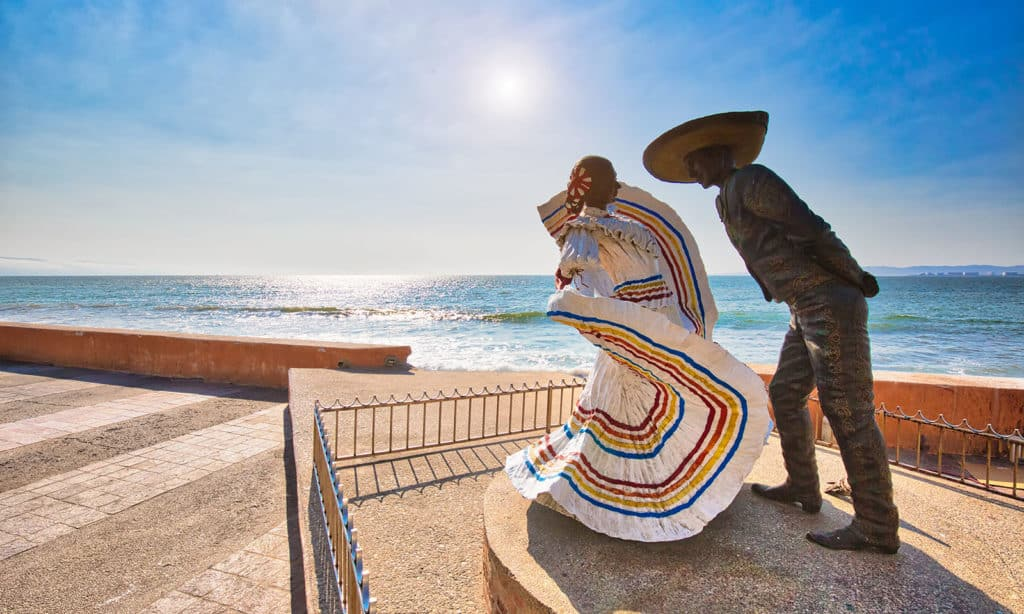 puerto-vallarta-outdoor-art-gallery-main-image
