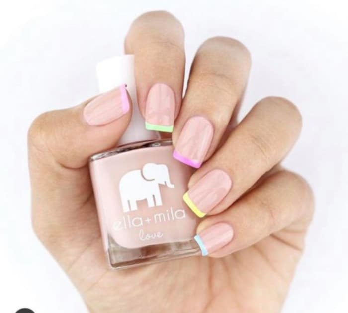 French Manicure is Back in The Coolest Ways 5