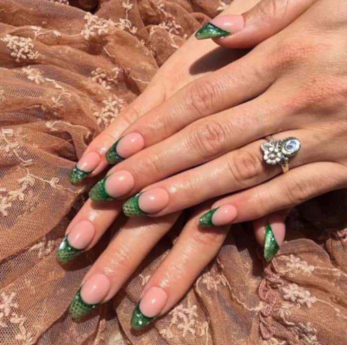 French Manicure is Back in The Coolest Ways 8