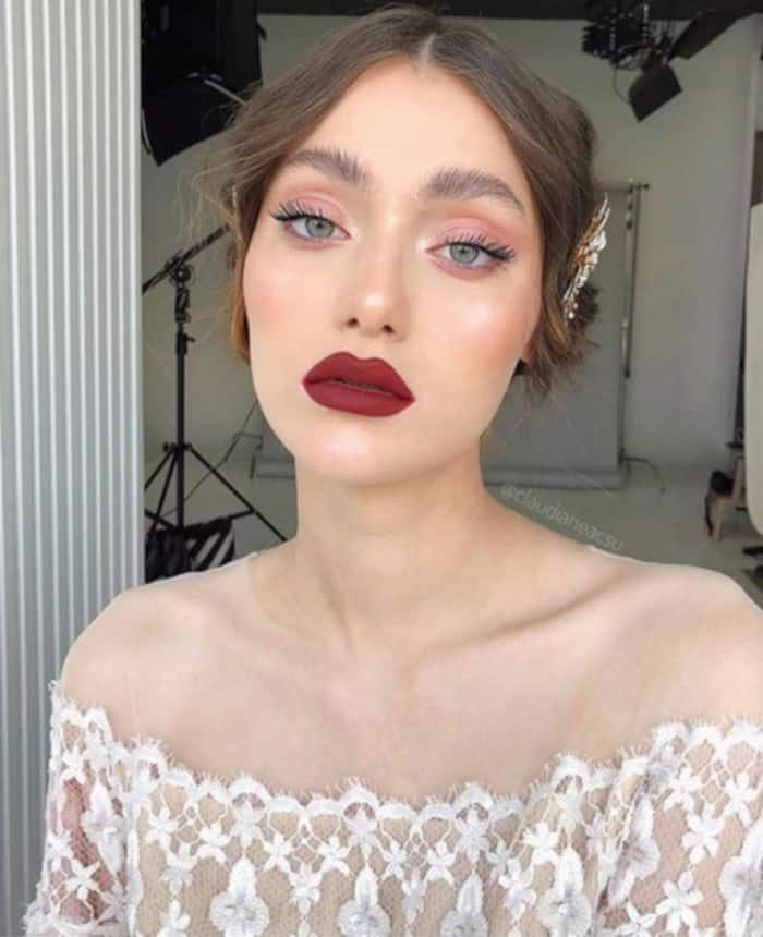 burgundy makeup looks for fall