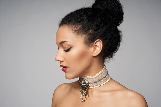 in-style-accessories-we-cant-live-without-choker