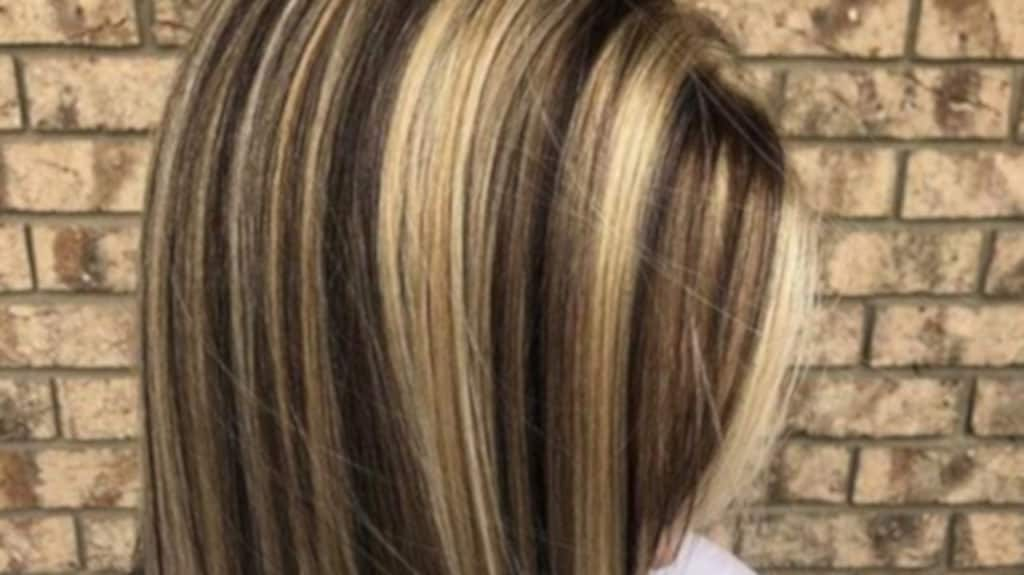 chunky highlights hair trend 8