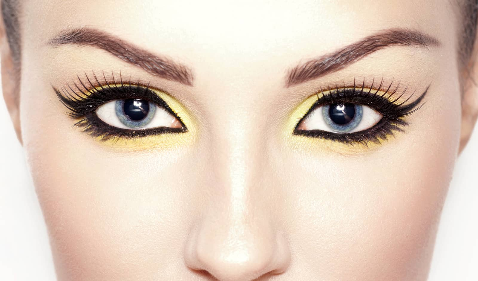 how-to-match-your-colored-contact-lenses-to-your-eye-makeup-main-image