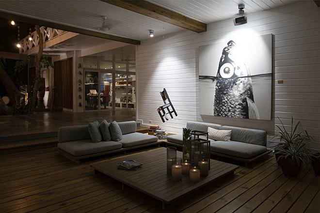 ibagari-boutqiue-hotel-lobby-art