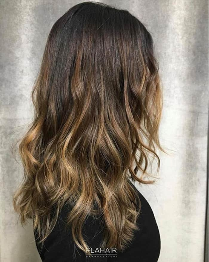 smoky gold hair trend 1