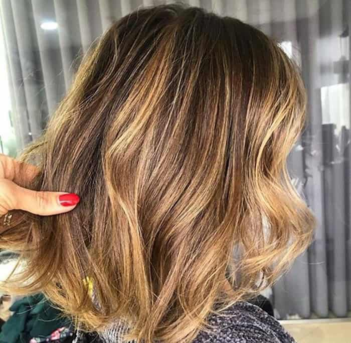 smoky gold hair trend 3