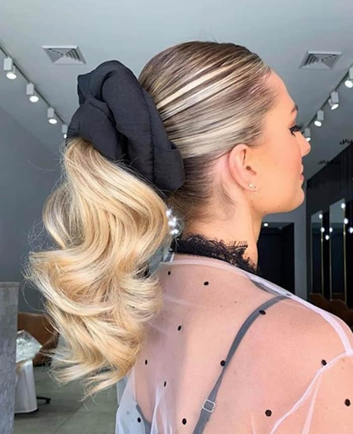 cute hairstyles you can do in under 5 minutes 2