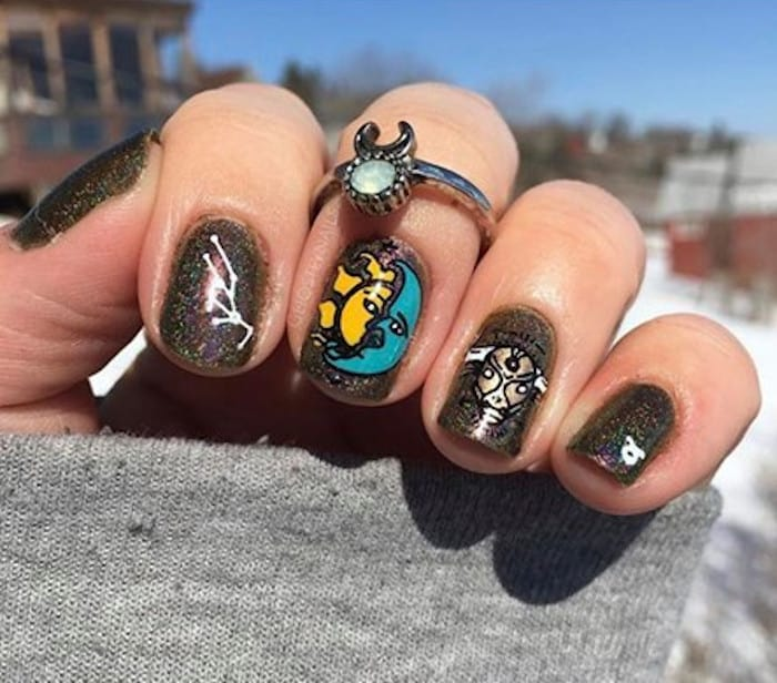 zodiac signs inspired nails 3