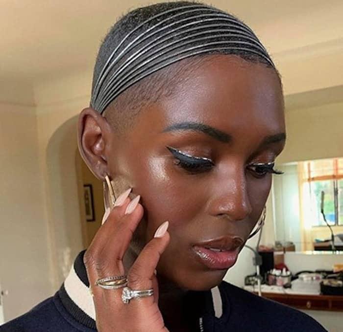electric eyes makeup trend celebrities 9