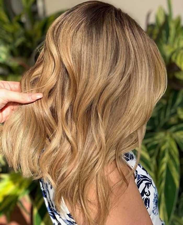 honey blonde hair color trend 10