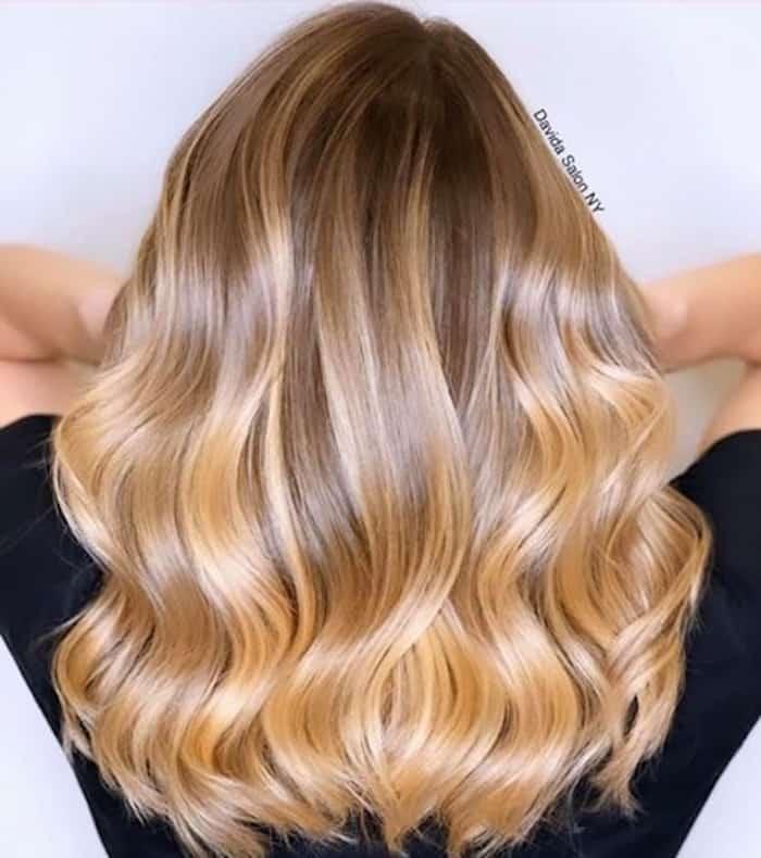 honey blonde hair color trend 7