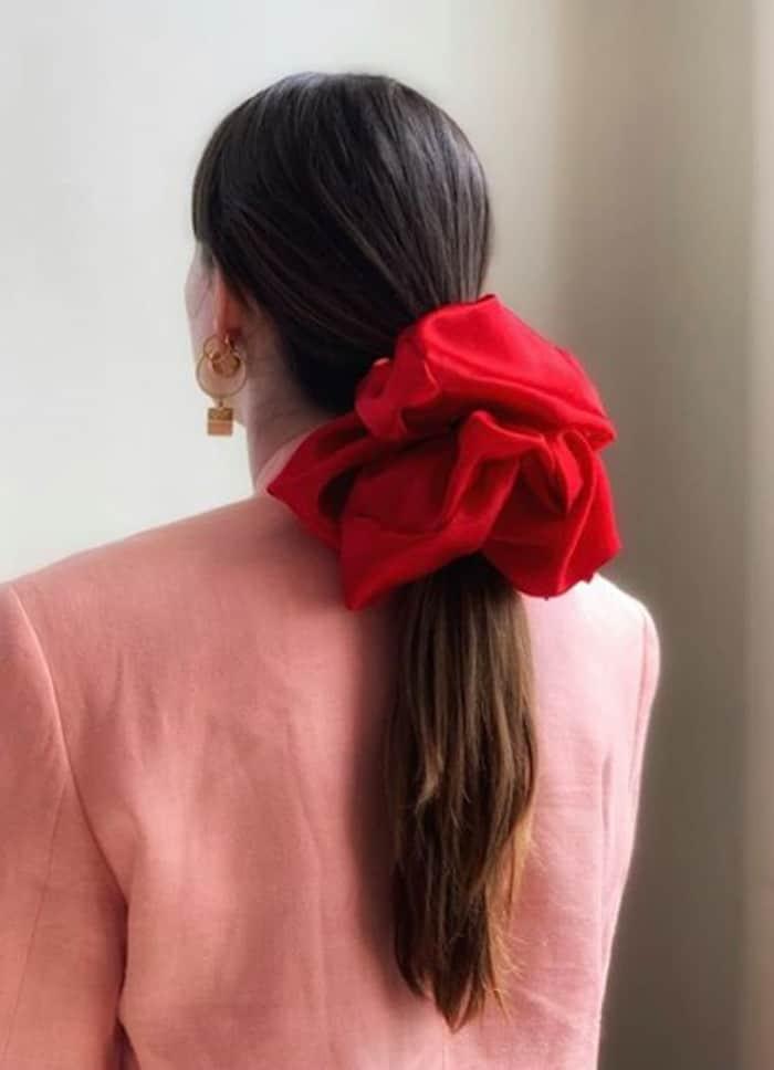 scrunchie hairstyles trend 4