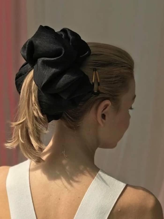 scrunchie hairstyles trend 5