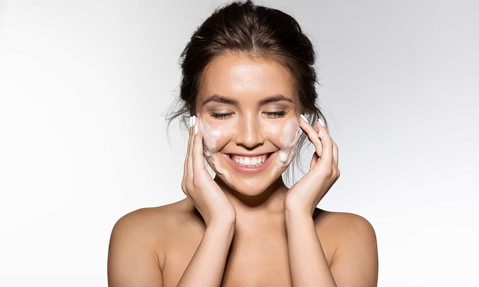 the-best-natural-ingredients-you-can-add-to-your-skincare-main-image