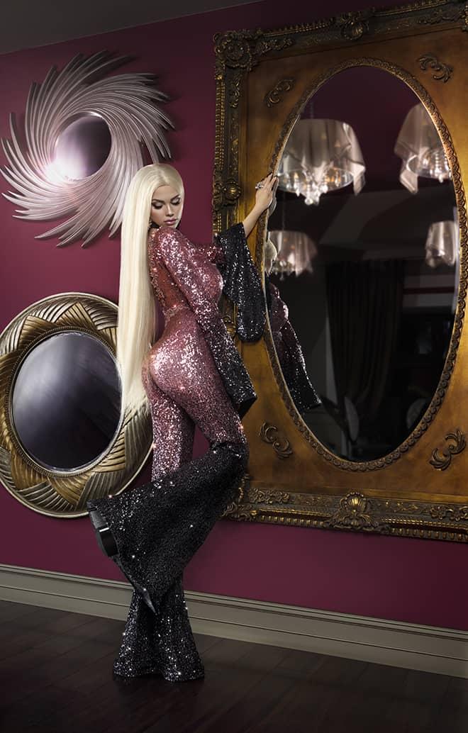 beyond-the-plastic-lolo-ta-bella-first-czech-human-barbie-1