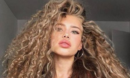Sexy And Easy Hairstyles For Curly Hair