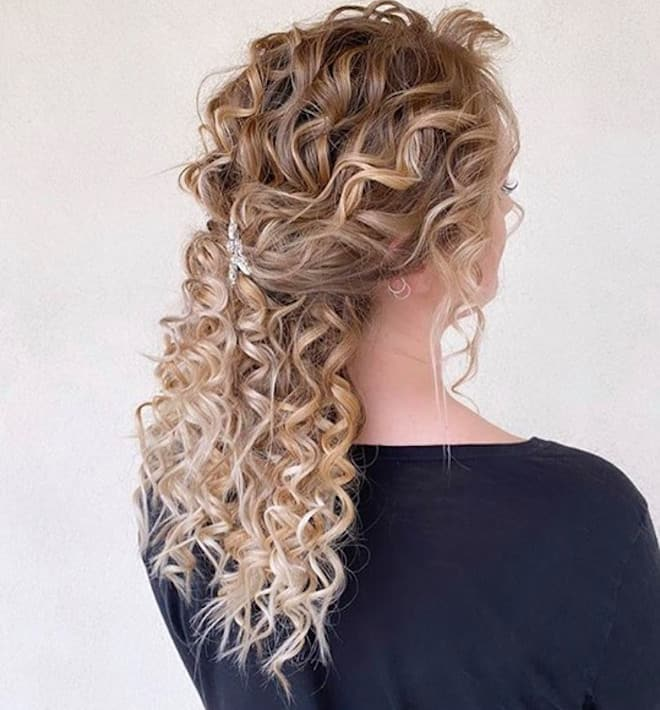 chic & easy curly updos 4